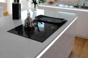 Kuchyně na míru INFINI - DALIA Lak vysoký lesk PLUS - bezúchytková - detail3