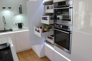 Kuchyně na míru INFINI - DALIA Lak vysoký lesk PLUS - bezúchytková - detail6