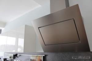 Kuchyně na míru INFINI - DALIA Lak vysoký lesk BASIC (RAL.9001) - bezúchytková (detail3)