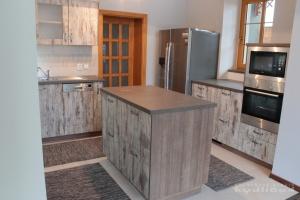 Kuchyně Kydlíček - lamino Emotion (Vintage Matrix)/lamino (dub authentic hnědý), pracodní deska umakart