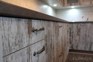 Kuchyně Kydlíček - lamino Emotion (Vintage Matrix)/lamino (dub authentic hnědý), pracodní deska umakart (detail1)