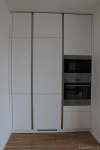 Kuchyně na míru INFINI - DALIA Lak vysoký lesk BASIC - bezúchytková