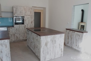Kuchyně na míru Ballerina - XL 3316 Old Cottage Eiche - Nachbildung hell (lamino - rámeček), pracovní deska 4940 Ceramico - Nachbildung, obklad sklo
